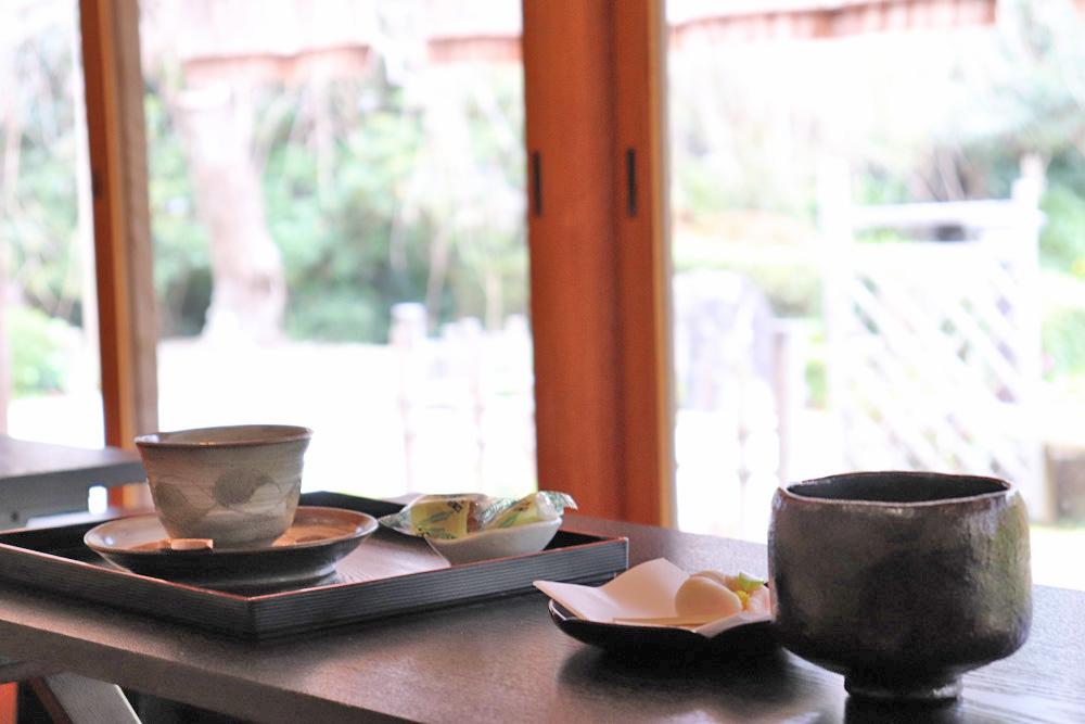 清水邸庭園湧水亭で美しい庭園を愛でながらお茶を楽しむ 【静岡県・掛川市】