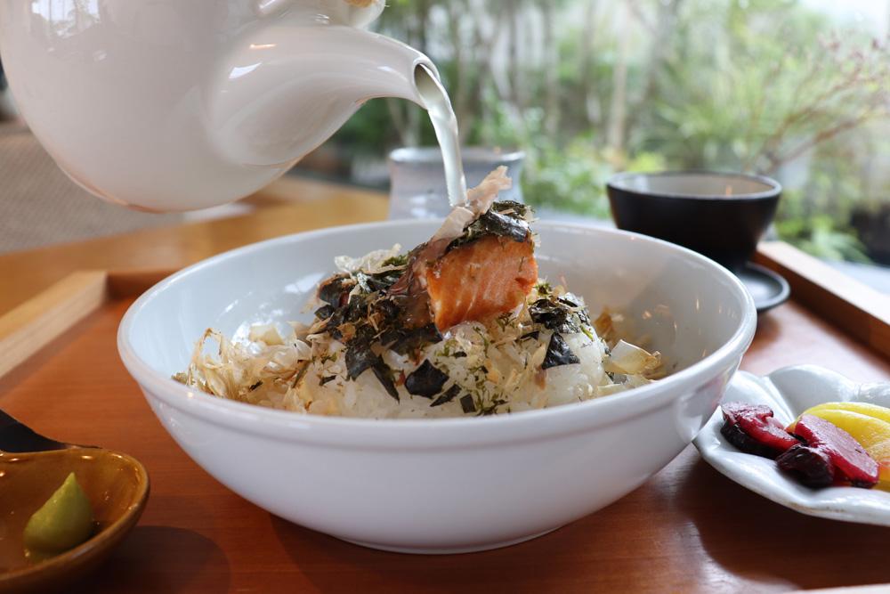 まるよ茶屋はお茶と人と遠州の食をむすぶお茶文化発信基地【静岡県・御前崎市】